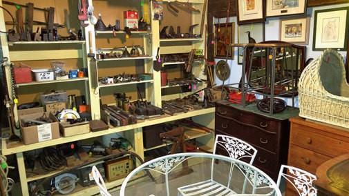 antiques3